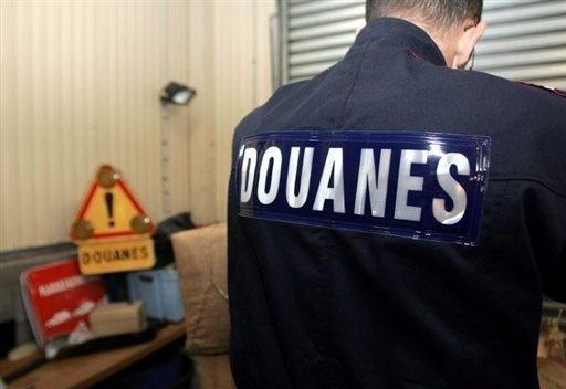 Mort d'un douanier après une course-poursuite avec un trafiquant de drogue. Douane10