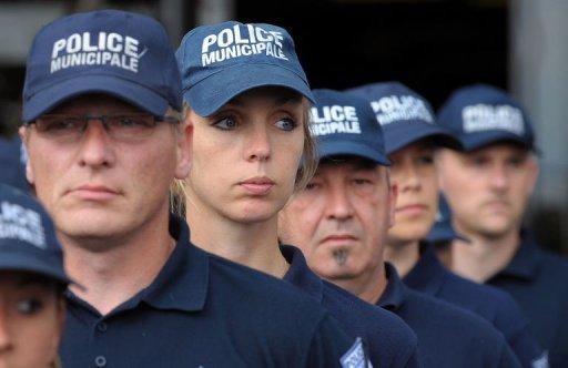 Un Policier National blessé et un Policier Féminin Municipal grièvement blessé(e) par balle à la tête et au Thorax en Région Parisienne jeudi matin 20 mai 2010,morte à l'hôpital. Photo_34