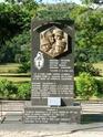 Monument en hommage aux Gendarmes  morts en service commandé à Ouvéa en Nouvelles-Calédonie. 98703710