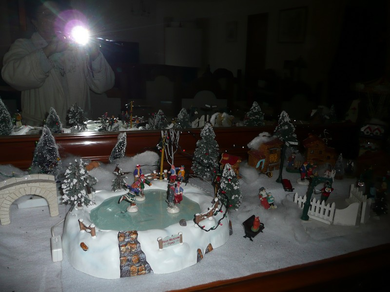 mon village de noel sur le buffet 2010_170