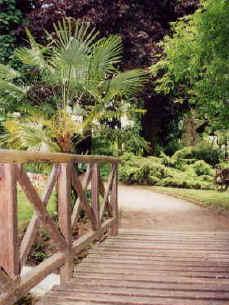 """sur la route de louviers "" la la la Jardin10"