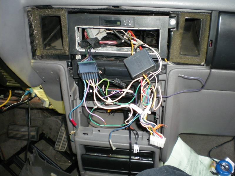 Comment brancher un autoradio sur Chrysler Voyager S2? Photo_26