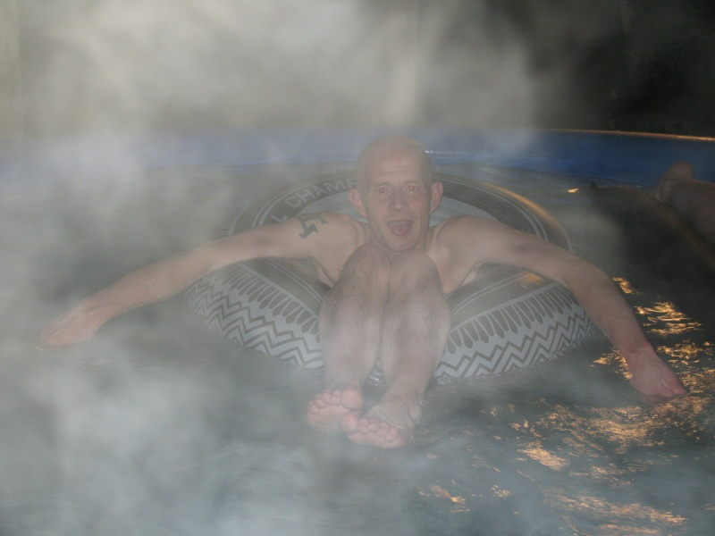 Me in my verry hot pool Bad212