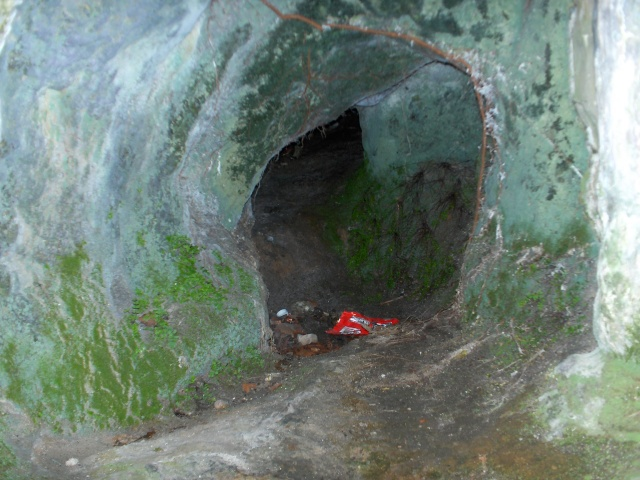 Denbigh Castle Cave Hpim4215