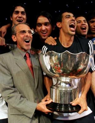 اتحاد كرة القدم العراقي يقيل مدرب المنتخب جورفان فييرا رسمياً Albums10