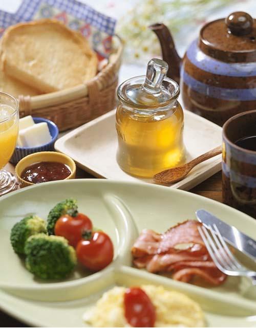 Thưởng thức bữa sáng của hơn 16 quốc gia 11021020