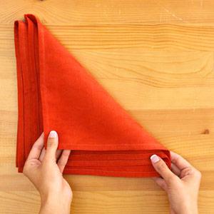 Gấp khăn ăn đẹp cho bàn tiệc Ss_10112