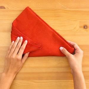 Gấp khăn ăn đẹp cho bàn tiệc Ss_10113