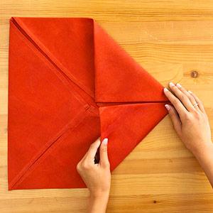 Gấp khăn ăn đẹp cho bàn tiệc Ss_10118
