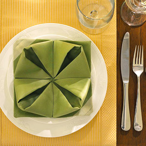 Gấp khăn ăn đẹp cho bàn tiệc Ss_10122