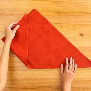Gấp khăn ăn đẹp cho bàn tiệc Ss_10123
