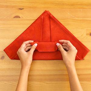 Gấp khăn ăn đẹp cho bàn tiệc Ss_10125