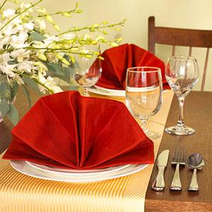 Gấp khăn ăn đẹp cho bàn tiệc Ss_10134