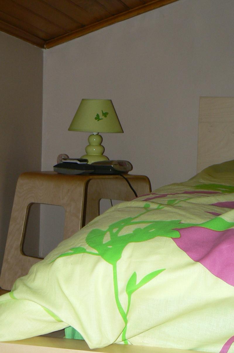 Une chambre mansardée comme un jardin (photo p.1 et 7) Mur_ch10