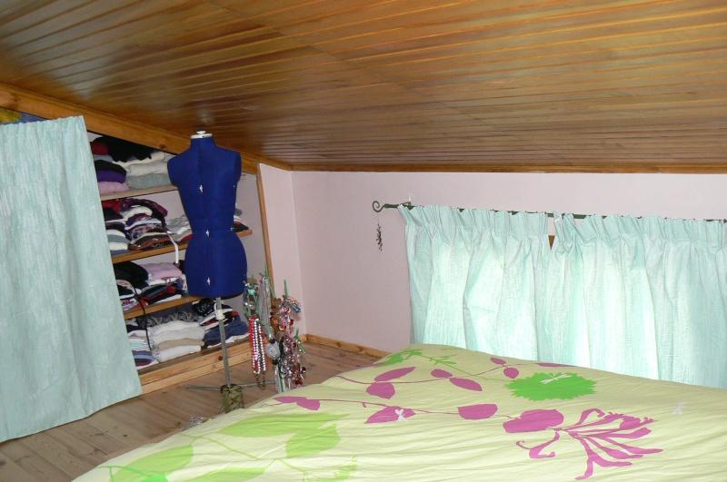 Une chambre mansardée comme un jardin (photo p.1 et 7) Mur_fe11
