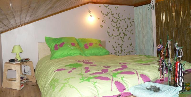 Une chambre mansardée comme un jardin (photo p.1 et 7) Mur_te10
