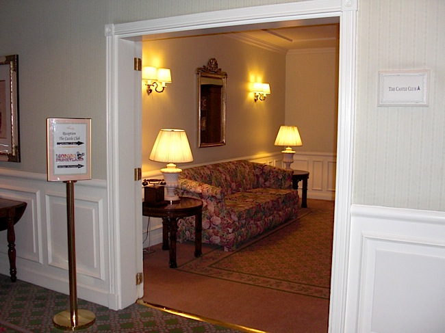 IL FOUNDER'S CLUB [Disneyland Hotel] 211