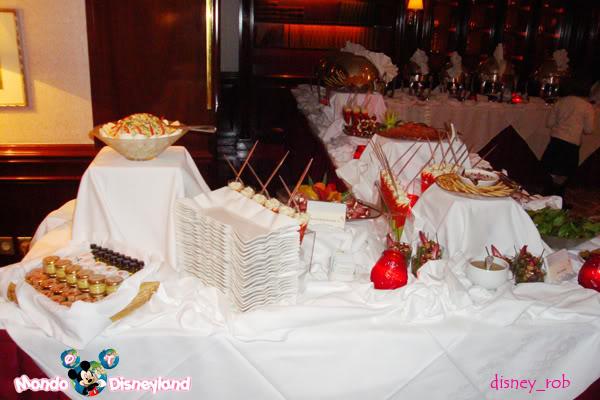 IL FOUNDER'S CLUB [Disneyland Hotel] Dsc04211
