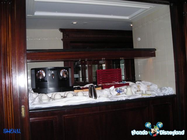 IL FOUNDER'S CLUB [Disneyland Hotel] Dscn4612