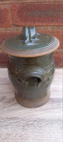 Lidded Jar MP mark 20210816