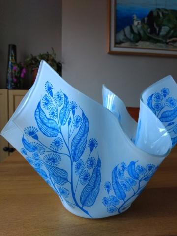 Scarce Chance Glass Handkerchief Vase Img_2061