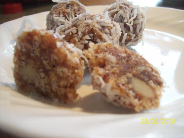 Boules aux dattes,noix,rice Krispies..... Boules10
