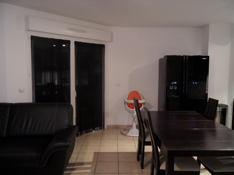 Mon salon/cuisine... Ajout de photos Sam_1417