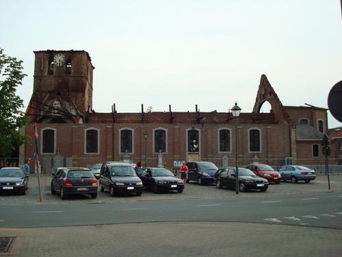 Ruines d'édifices religieux - Page 3 10720810