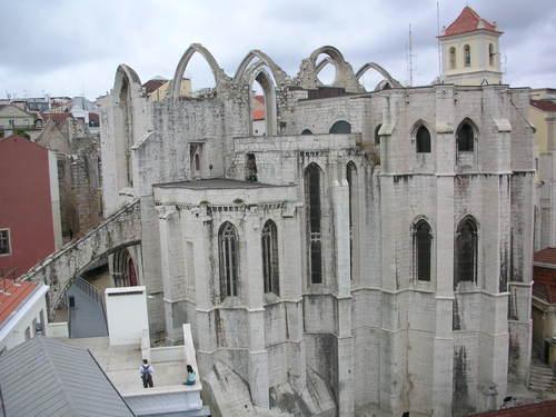 Ruines d'édifices religieux - Page 2 13712310