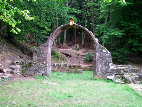 Ruines d'édifices religieux - Page 3 13865410