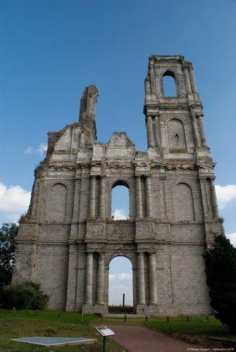 Ruines d'édifices religieux 27599510
