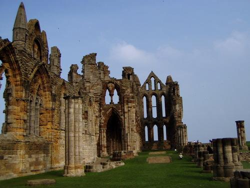 Ruines d'édifices religieux - Page 2 45872510