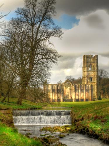 Ruines d'édifices religieux - Page 2 86029310