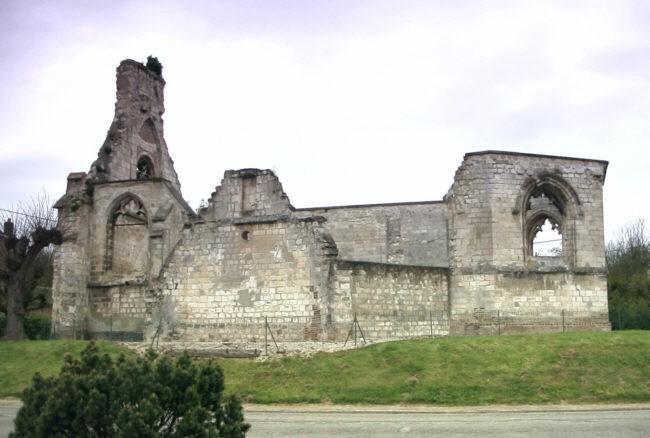 Ruines d'édifices religieux - Page 4 Chapel12