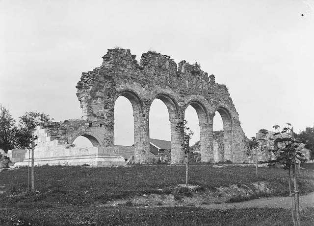 Ruines d'édifices religieux Domkir10