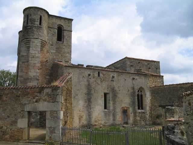Ruines d'édifices religieux - Page 3 Oradou10