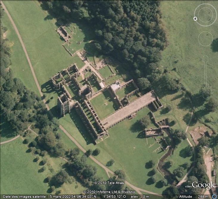 Ruines d'édifices religieux - Page 2 Ruines36