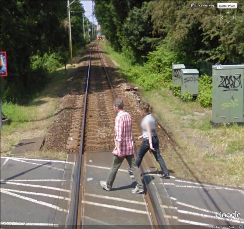 STREET VIEW : faut pas rester là ! Train_12