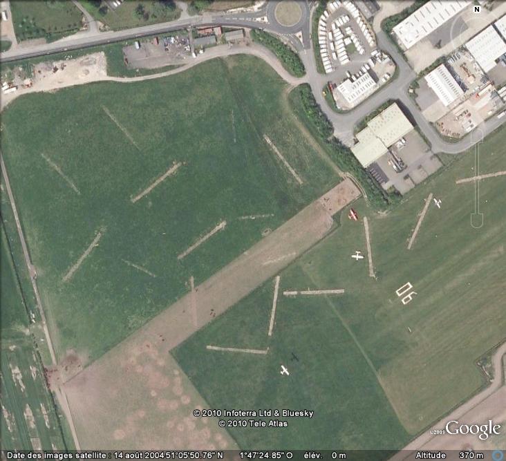 Les sondages archéologiques vus avec Google Earth Trou_310