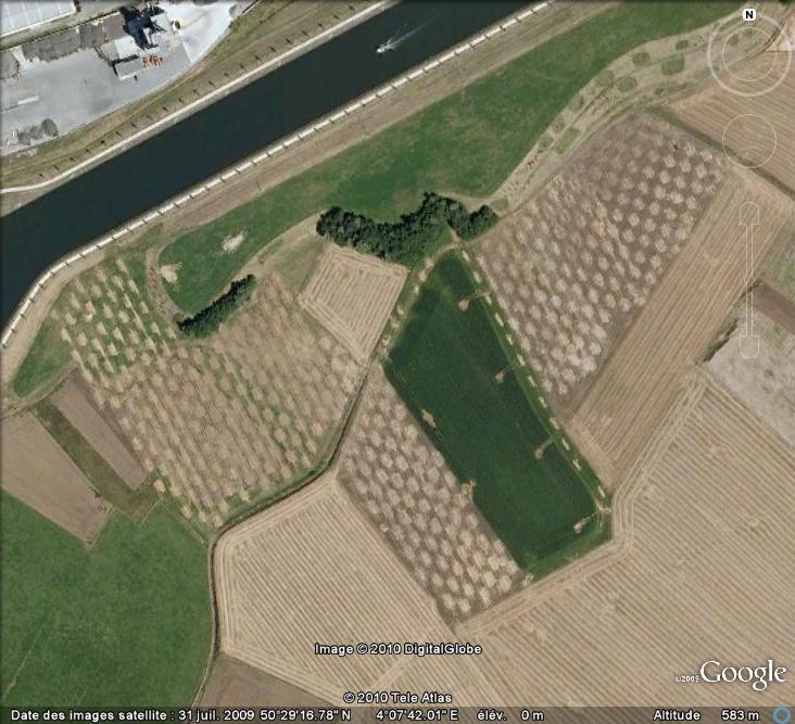 Les sondages archéologiques vus avec Google Earth Trou_510