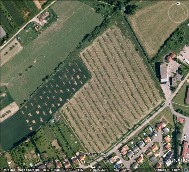 Les sondages archéologiques vus avec Google Earth Trou_710