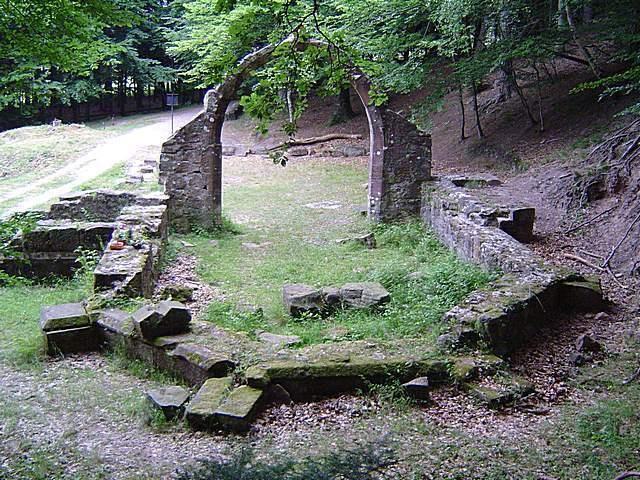 Ruines d'édifices religieux - Page 3 Untitl12