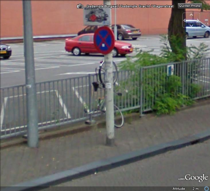 STREET VIEW : La nouvelle façon de parquer son vélo , La Hays ( Pays-Bas ) Valo10