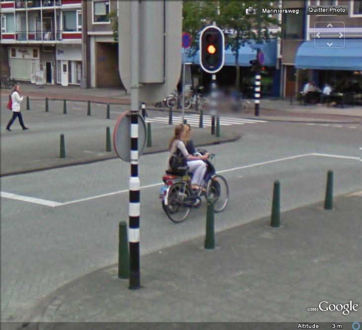 STREET VIEW : La nouvelle façon de parquer son vélo , La Hays ( Pays-Bas ) Valo11