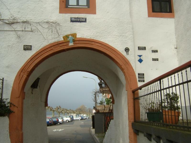 Street View : Les repères de crue Zollto11