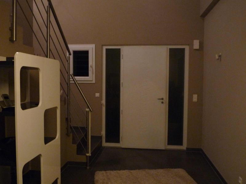 aide pour deco entrée maison et montée d'escalier P1020715