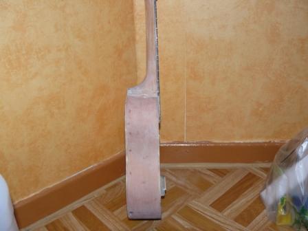 customisation d'un Ukulélé P1010412
