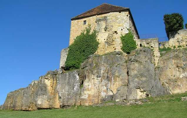grimper sur une église Excide11