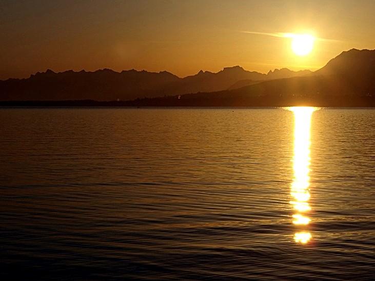 Un lever de soleil P4065113