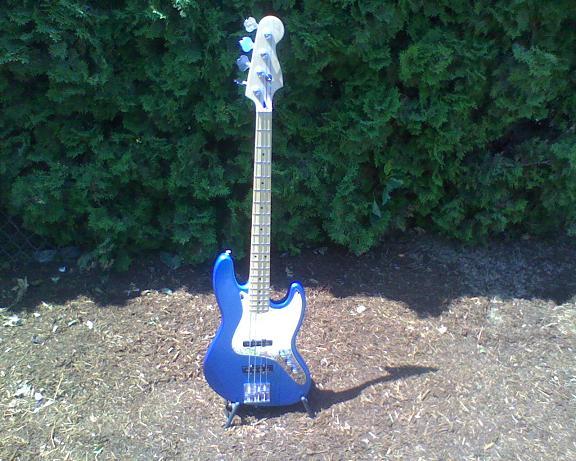 Bass and Guitar Restoration Bass-111